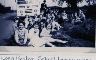 Endowed School pupils day out 1950's