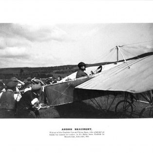Andre Beaumont landing at Settle 1911