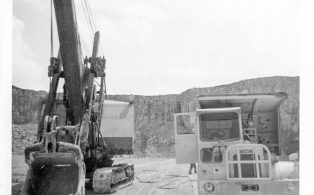 54RB navi with Scamell Dumper at Horton Quarry