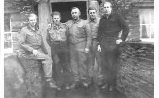 Photograph of Unnamed Prisoners of War at Arcow Farm