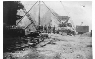 Photograph of Crane at Foredale Quarry?