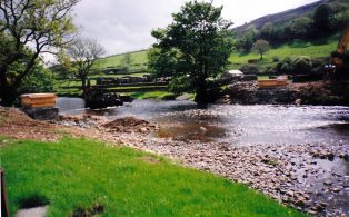Erection of the new Tay Bridge at Cragghill Horton in Ribblesdale.